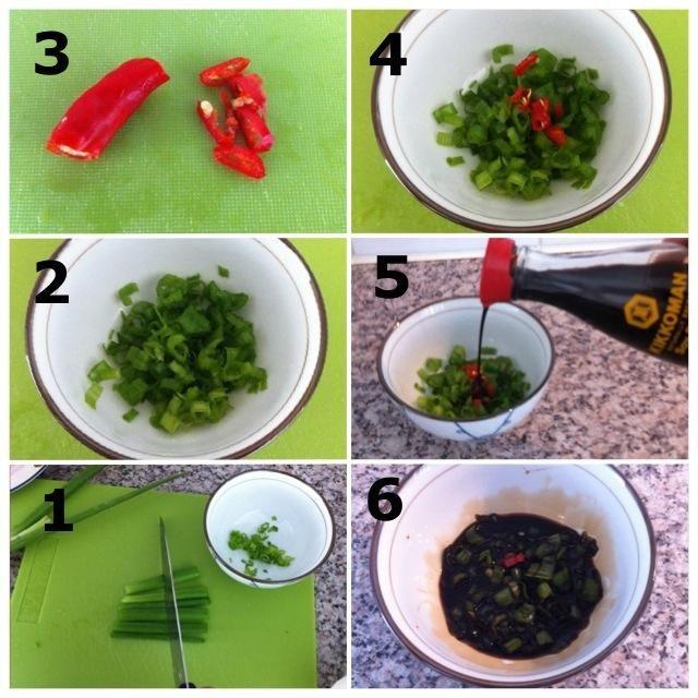 1) Dados primavera Cebollas 2) Al igual que esto- 3) Dados Pimiento chile 4) Agregar la pimienta de chile a la primavera Cebollas 5) Añadir salsa- soja 6) Mezclar