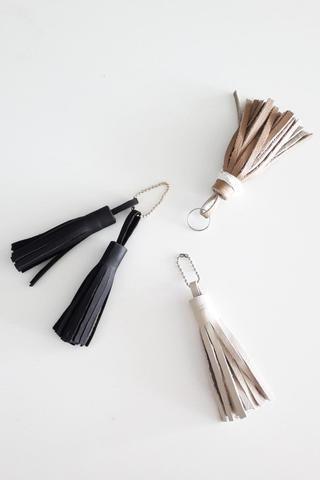 Añadir sujetadores y bucles y prepárate para usar y complemente.