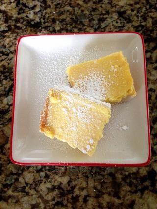 Yum !! Esta es una receta de postre tan fácil y refrescante para una fiesta de verano o comida al aire libre barbacoa! Definitivamente va a limpiar su paladar después de una comida o se empareja muy bien con el té de la mañana :))