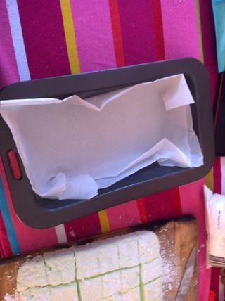 Línea con papel de hornear para una fácil limpieza
