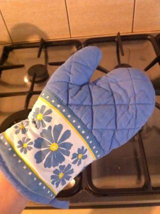 Obtenga su mit horno porque usted no será capaz de mantener la taza aún cuando hace calor