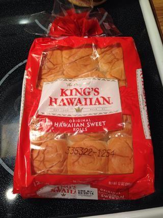 Me gustan los rollos de Hawai, pero se puede utilizar cualquier rollos que te gustan.