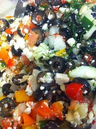 Añadir el perejil, la sal de ajo, pimienta de limón y aceite de oliva - mezclar! (No dude en parar aquí para el más ligero de sus tres opciones de ensalada!)