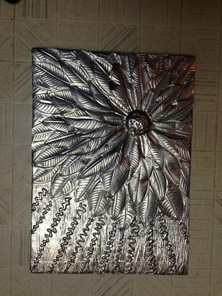 Esta obra de arte es completa en este punto. Decidí agregar color y bronceado en polvo