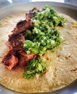 Disfrútala con cualquier tipo de tacos pero recuerde SIEMPRE tortilla suave y preferiblemente de maíz.