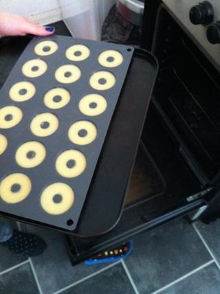 Poner en el horno en una bandeja.