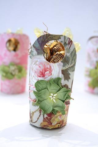 Éste tiene una calle Mulberry Petlaoo Flower- Wild Roses en verde, tan bonita! Gracias por acompañarme hoy! Me puedes encontrar en http://inmyblueroom.blogspot.com/ Denise!