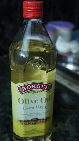 Utilice el aceite de oliva para cocinar la mezcla picada ..