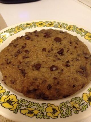 Cookies será muy caliente y buscar doughy- deje reposar por unos minutos para que la cookie para refrescarse y concretar un poco!