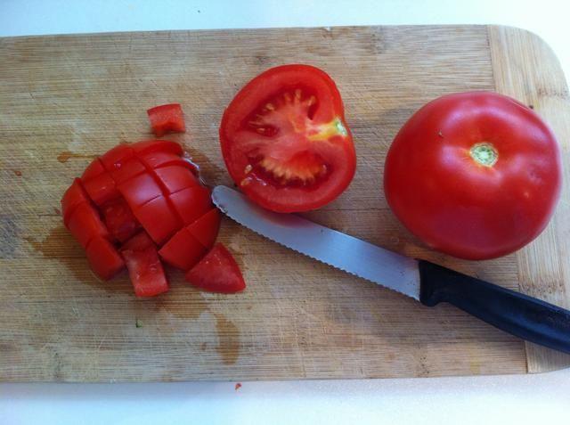 Picar los tomates