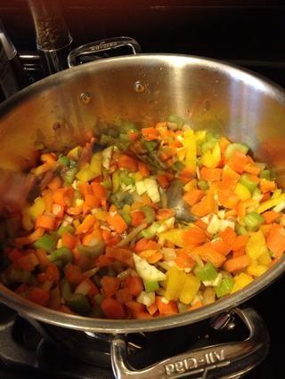 Añadir el resto de las verduras picadas