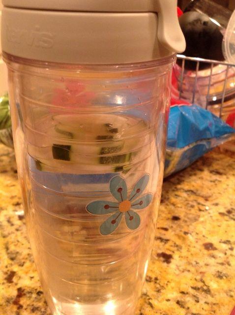 Cómo hacer la receta de agua natural de sabores