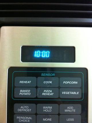 Establecer temporizador de 10 minutos. Dependiendo de su horno puede necesitar más o menos tiempo.