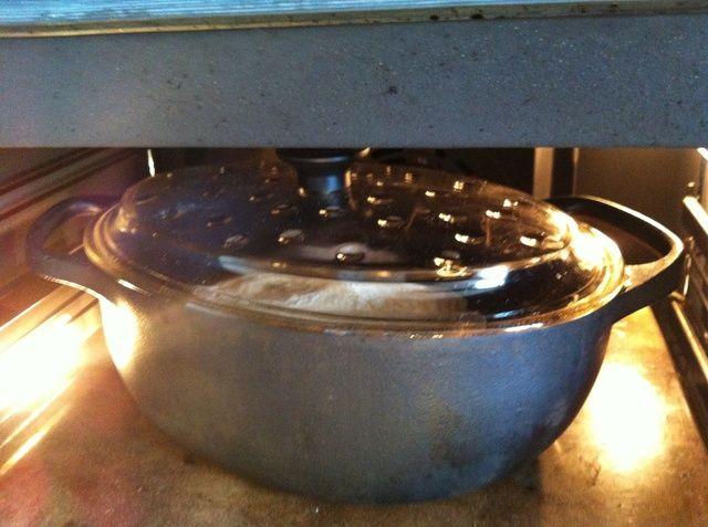 Ponga la tapa precalentada y dejar en el horno durante 30 minutos.