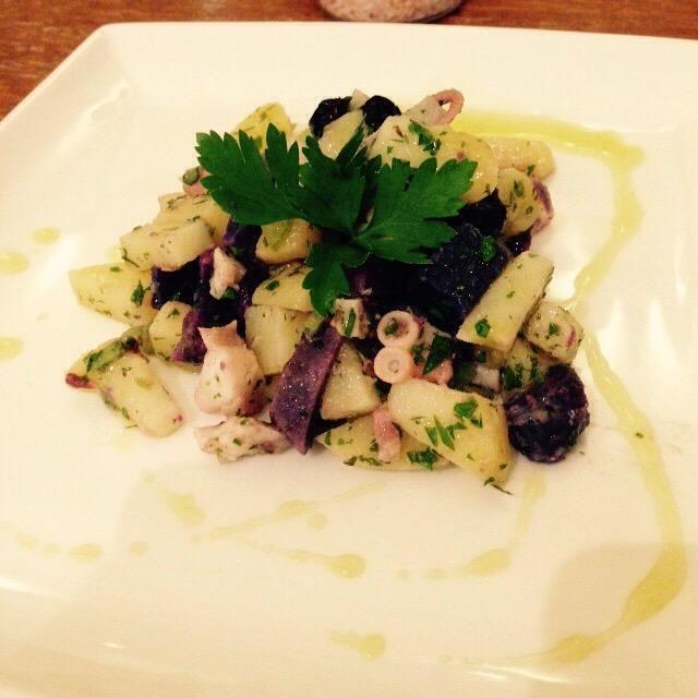 Servir y decorar con un poco de aceite de oliva más y unas hojas de perejil. ¡Disfrutar!