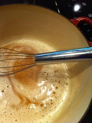 Cocine esto hasta que todo es dorado y caramelo y unos 7 minutos.