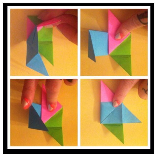 Levante rosa - pic1. Dobla hacia arriba - pic2. Recoge azul - pic3. Doblar a la derecha; -pic4.