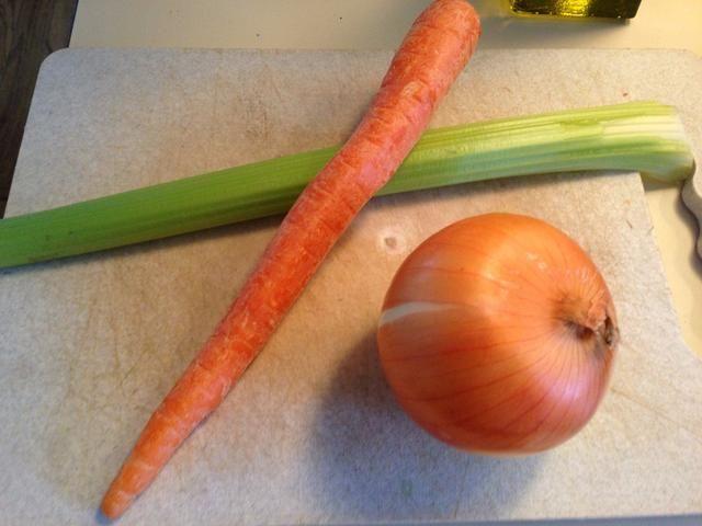 Nuestras verduras necesitan ser cortados en cubitos