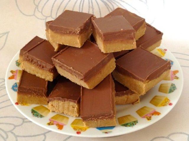 Cómo hacer que los cuadrados de chocolate de mantequilla de maní Receta