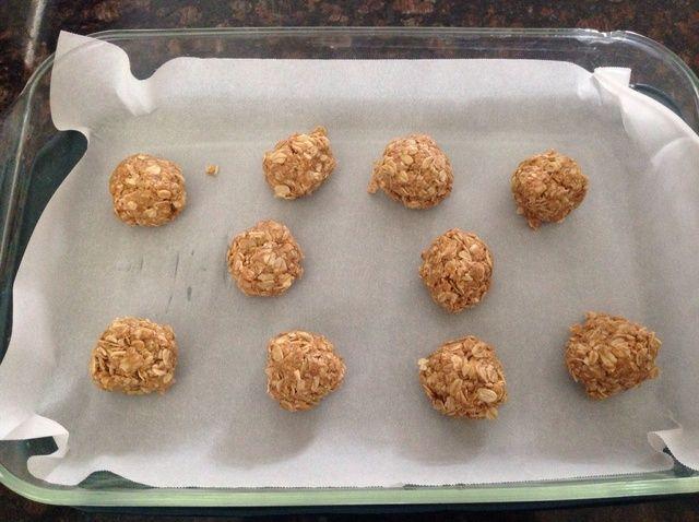 Cómo hacer bolas de mantequilla de maní de energía Receta