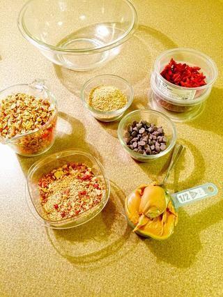 Reunir los ingredientes y unos 20 minutos. Estos son fáciles y para los niños también. Se pueden personalizar para darle sabor.