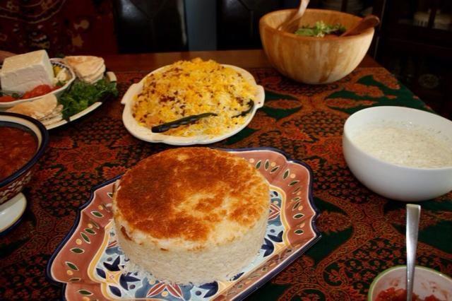 Hacer el arroz basmati blanco y Tadig! Ver mi receta Snapguide por más! http://artesaniasdebricolaje.ru/guides/make-persian-rice-and-tadig/