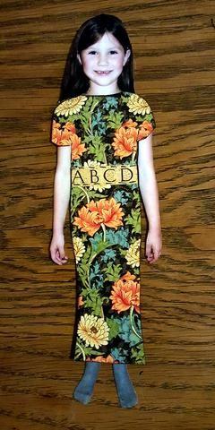 Este último vestido es inspirated de un vestido chino. He añadido una cinta pequeña.