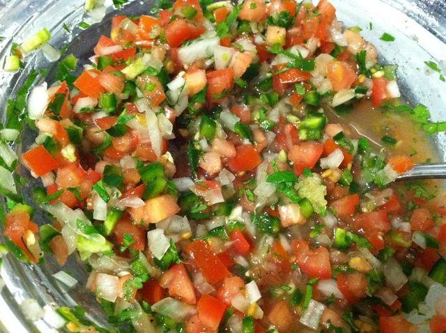 Cómo hacer Pico De Gallo (Fresh Salsa) Receta