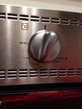 Precaliente el horno a 400 F (200 C)