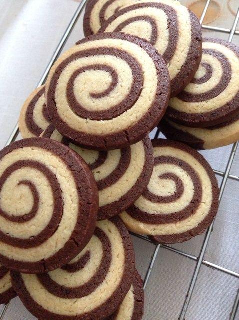 Cómo hacer Pinwheel Galletas (Choco Almond) Receta