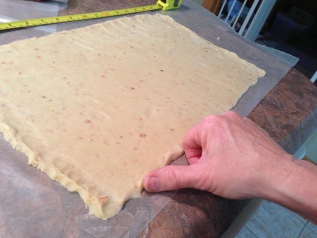 Una vez más, no dude en dar forma a los bordes y esquinas para formar rectángulo del mismo tamaño que el chocolate era.