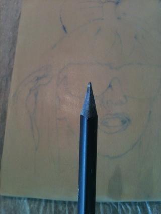 Tome su lápiz (si usted tiene un kit de talla que's even better). Now we're gonna carve-)