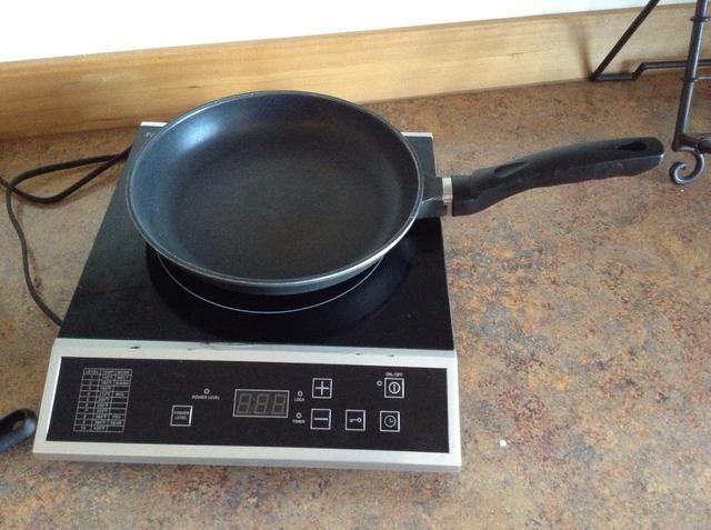 Coloque la sartén en la hornilla