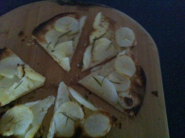 Cómo hacer la patata y Rosemary pizza Receta