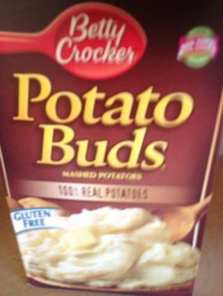 Obtener 1 taza de puré de patatas listo. Cualquiera de las sobras, hecho en casa, o instantánea.