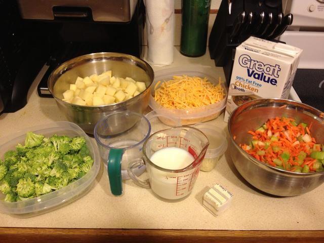 Todo está preparada. Ahora estamos listos para cocinar. Dése unos 30 minutos para cortar y medir las cosas.