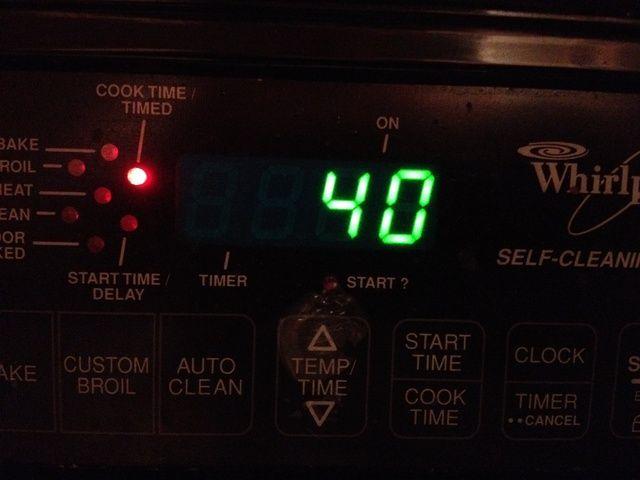 Cocer durante unos 40 minutos. Si desea un poco más marrón trate de añadir un par de minutos más como 5 o menos.