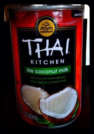 Me gusta usar la leche de coco Lite para cortar algunas calorías.