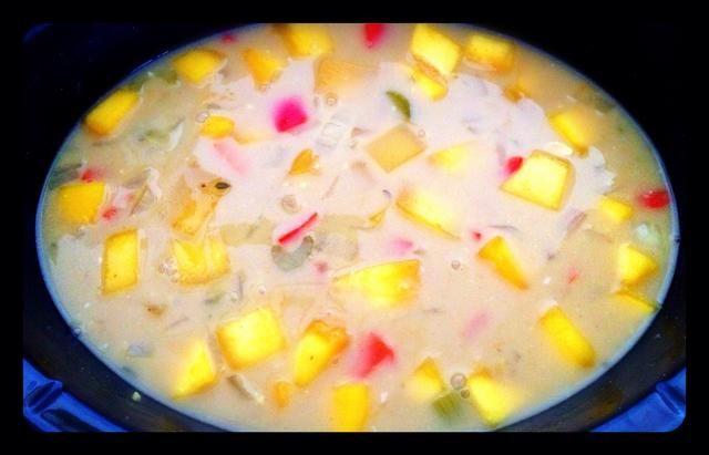 Revuelva y deje el curry cocer durante media hora.