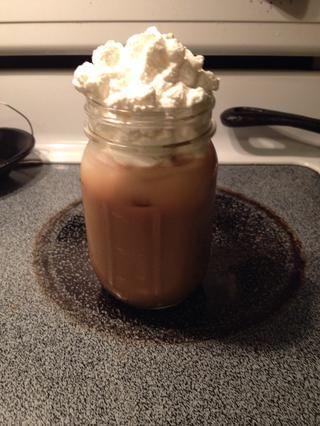 He añadido el jarabe a mi Boston cerveza fría de café y me hizo una muy sabrosa calabaza con especias helado tarde! ¡Disfrutar!