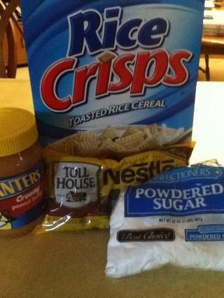 Vierta tazas y media de azúcar en polvo en una taza de medir, media taza de mantequilla de maní, nueve tazas de cereal Chex, y una taza de chispas de chocolate semi dulce.