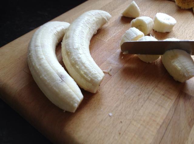 Chop, chop, chop, chop cortar! Cortar para arriba en buenas trozos pequeños.
