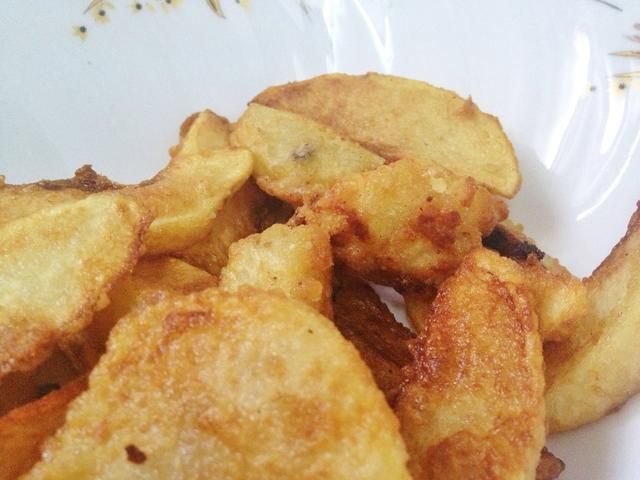 Tada !! Vea la hermosa textura de las patatas fritas. Se ve delicioso ISN't it? You can sprinkle some salt if you want and enjoy it with your family.