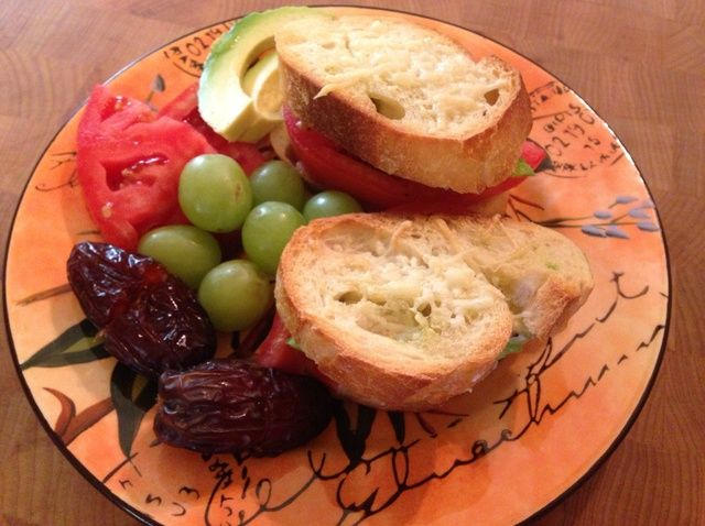 Cómo hacer Quick tomate Aguacate Sandwiches. Receta