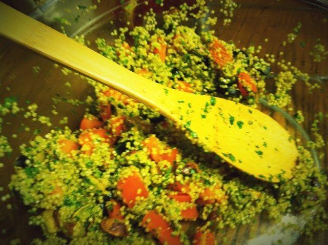 Cómo hacer quinua y pistacho Ensalada con pesto de Marruecos Receta
