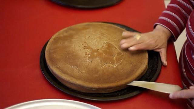 Asegúrese de que sus pasteles se han enfriado y tenía un descanso. Después de esta receta'm sure you're going to need a rest too. -)