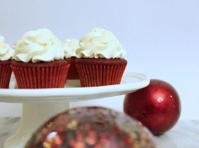 Cómo hacer Red Velvet Cupcakes W / crema batida Queso Receta