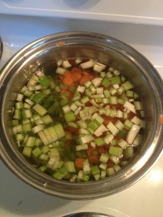 Hervir las zanahorias y el apio!