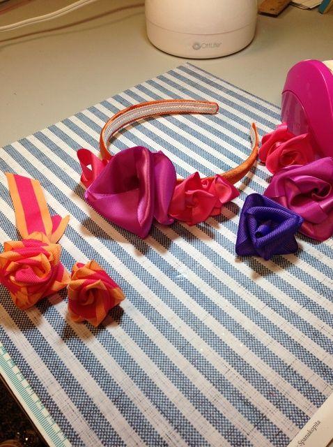 Cómo hacer rosas de cinta