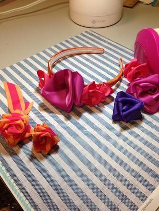 Embellecer diademas, zapatos, etiquetas de regalo o lo que'd like! Have fun!